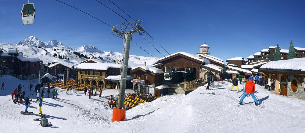 Retour skis aux pieds jusqu'à Belle Plagne - © OT de La Plagne / P. Royer