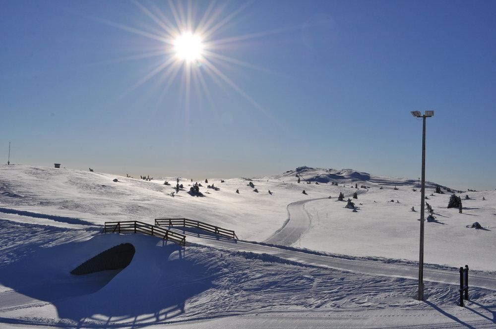 Etter en uke med snøfall er solen tilbake i Kvitfjell.  - © Vibeke Fürst Holtmann