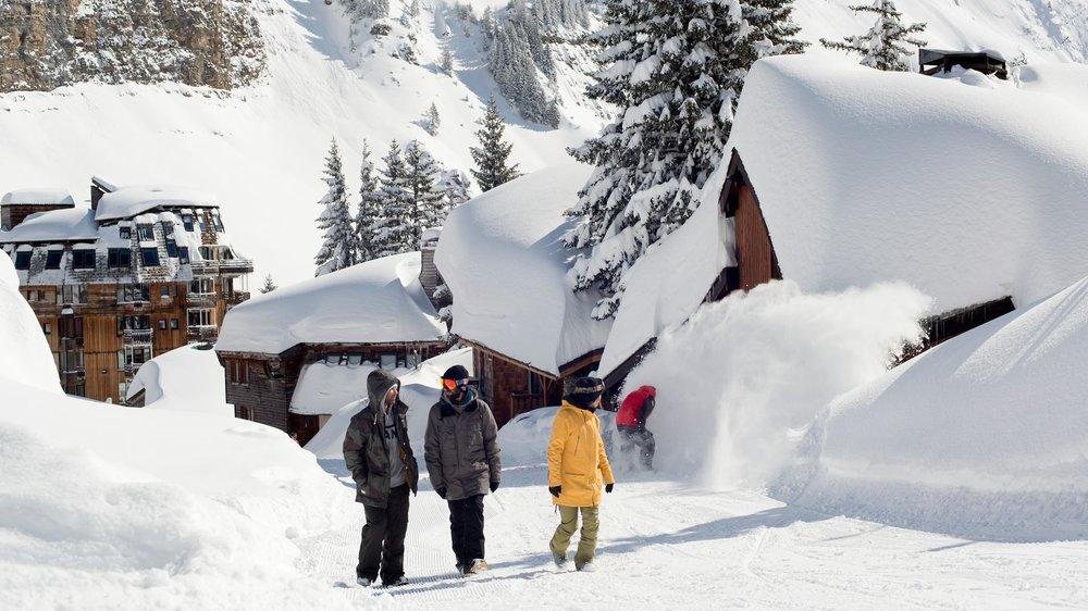 Veľa snehu a modrá obloha - marcová lyžiarska rozprávka vás čaká v Avoriaz  - © Avoriaz facebook