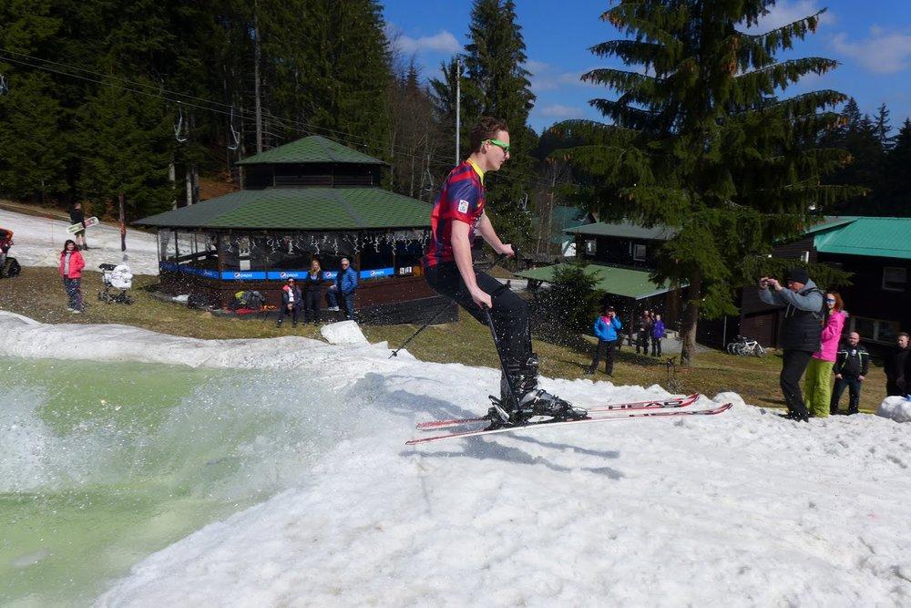 Spring Splash 2016 in czech Ski Park Gruň - © Michal Bočvarov