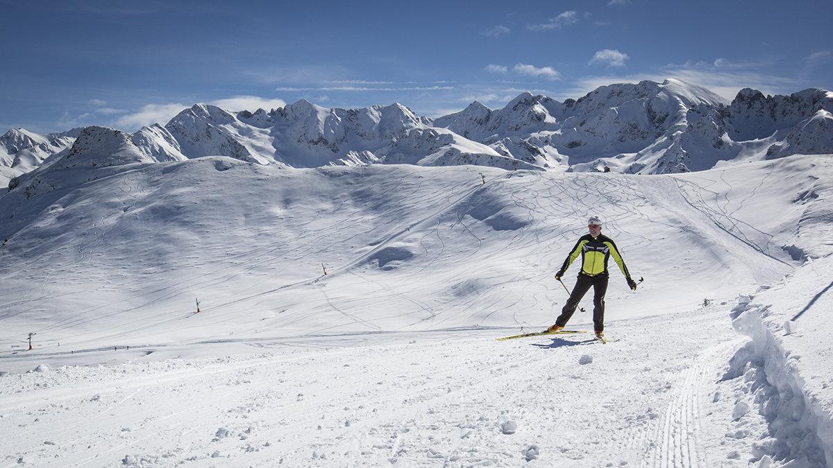 Hautacam possède 15 km de pistes de ski nordique, préparées aussi bien pour la pratique du skating que du classique. - © Pierre Meyer