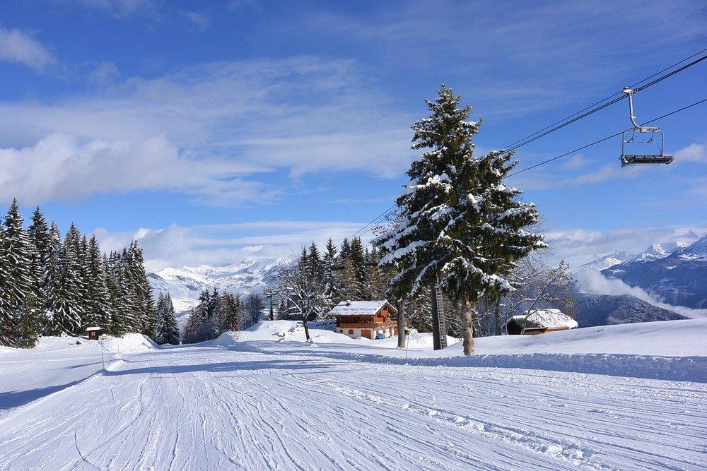 En vadrouille sur la piste verte de Chantemerle qui descend à Doucy !  - © Office de Tourisme de Valmorel