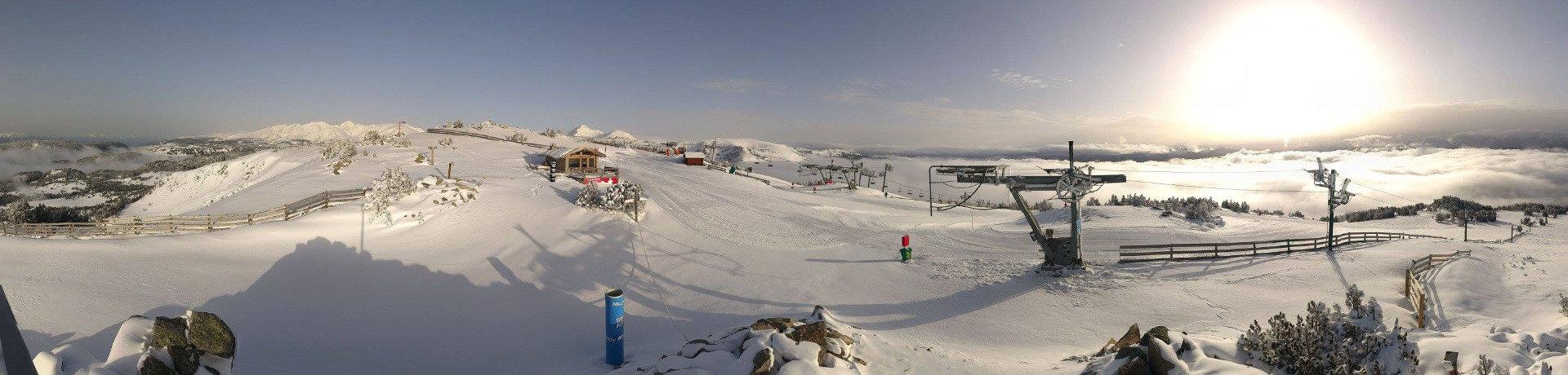 Sur le domaine skiable des Angles - © Office de Tourisme des Angles