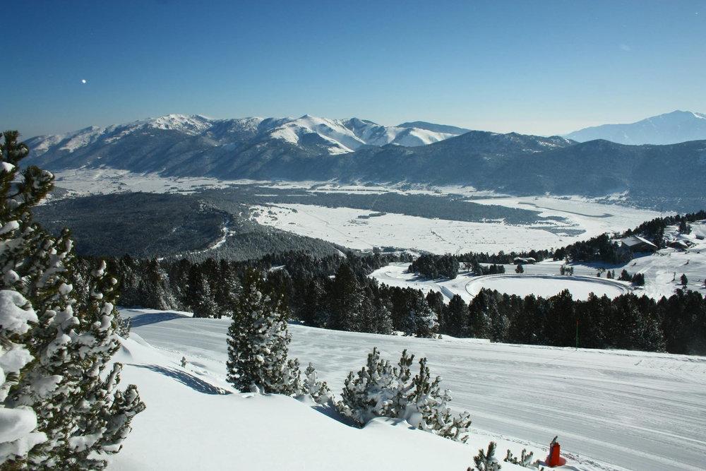 Magnifique panorama depuis les pistes de ski des Angles - © Office de Tourisme des Angles