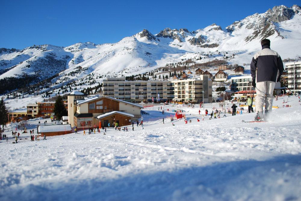 Retour skis aux pieds jusqu'aux résidences de St François Longchamp - © Office de Tourisme de St François Longchamp