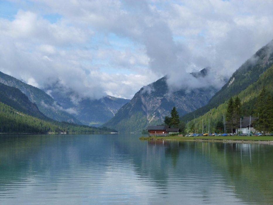 Der Heiterwanger See in den Ammergauer Alpen - ©Armin Herb