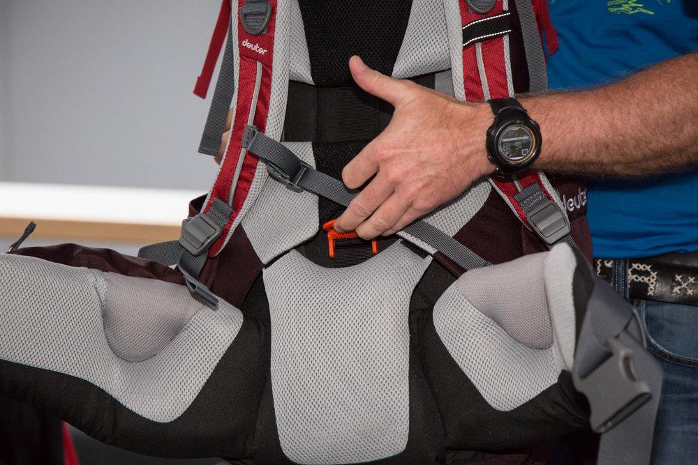 Deuter hat für seine Aircontact-Rucksäcke ein neues Rückenlängenverstellsystem entwickelt - ©Bergleben.de