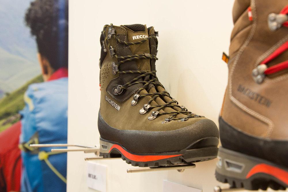 Einige Dachstein-Schuhe sind mit dem neuen Recco-System ausgestattet - ©Bergleben.de
