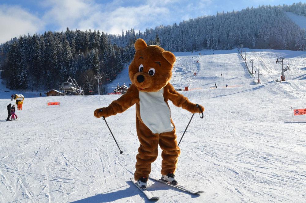 Metsi, la mascotte de Métabief, vous fait un petit coucou depuis les pistes ! - © Métabief Tourisme