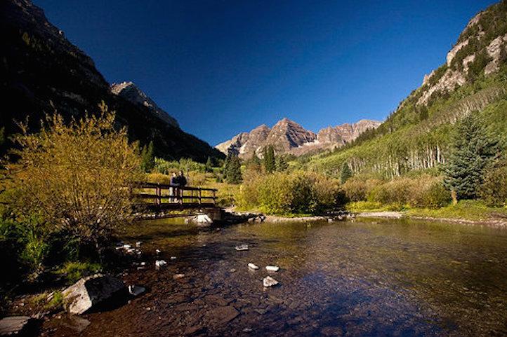 Maroon Bells near Aspen, CO - © Jeremy Swanson