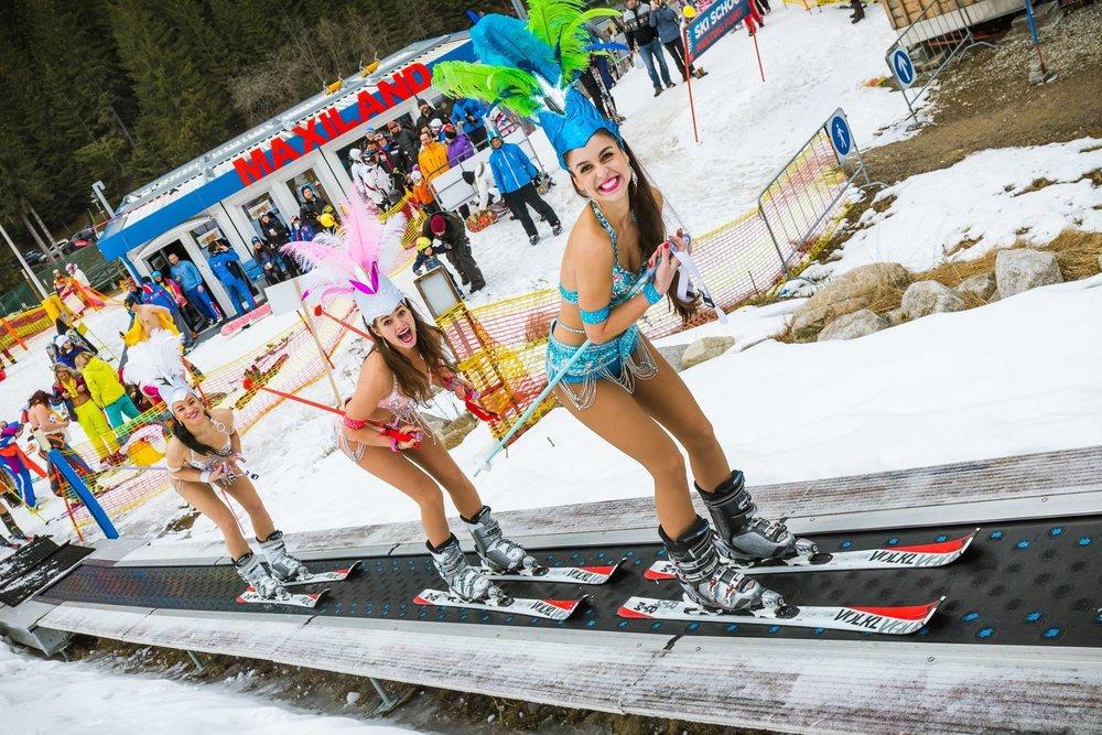 Bikini Skiing Jasna 2016 - © TMR, a.s.