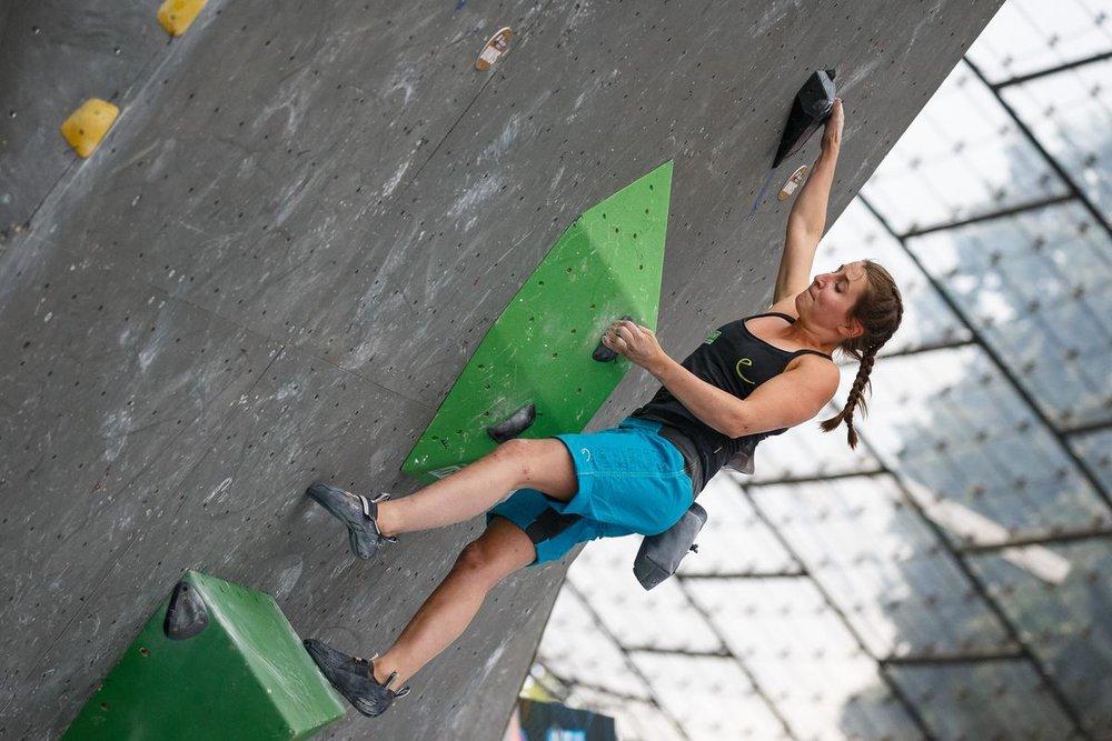 Lili Kiesgen beim Boulder-Weltcup in München - © DAV / Marco Kost