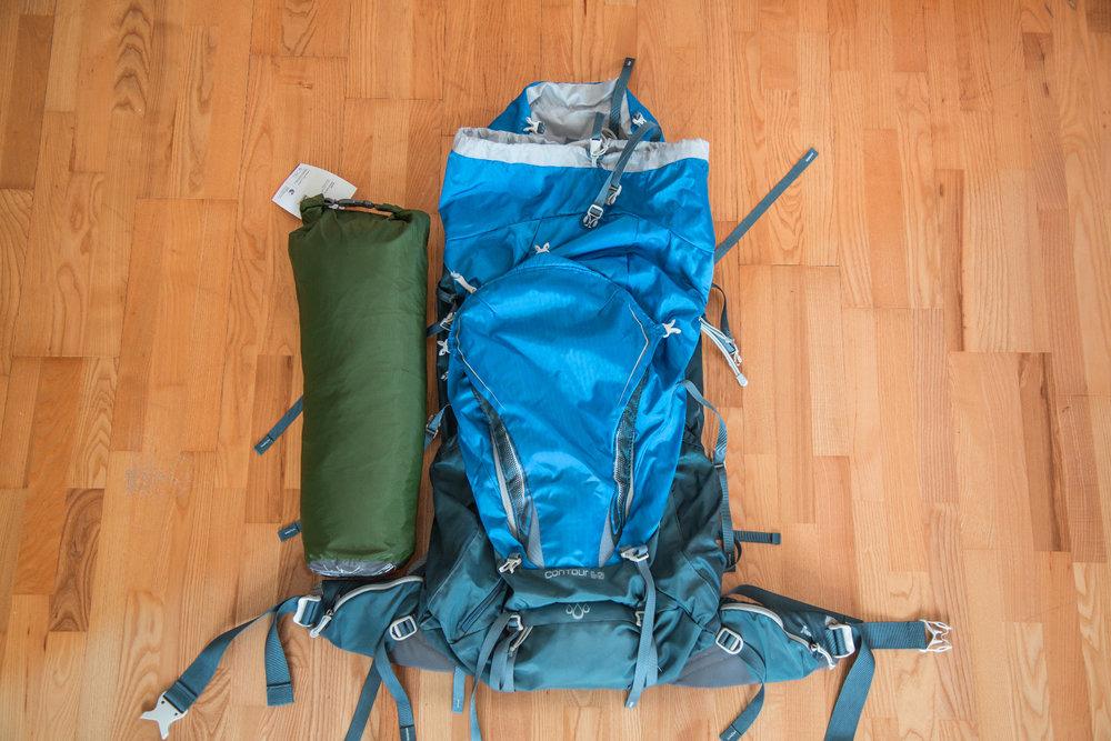 Packmaß des VAUDE Ferret UL im Vergleich mit dem (recht kleinen) 60-Liter-Rucksack von Gregory  - © Bergleben.de