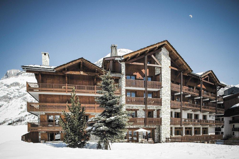 altitude hotel val d 39 is re. Black Bedroom Furniture Sets. Home Design Ideas