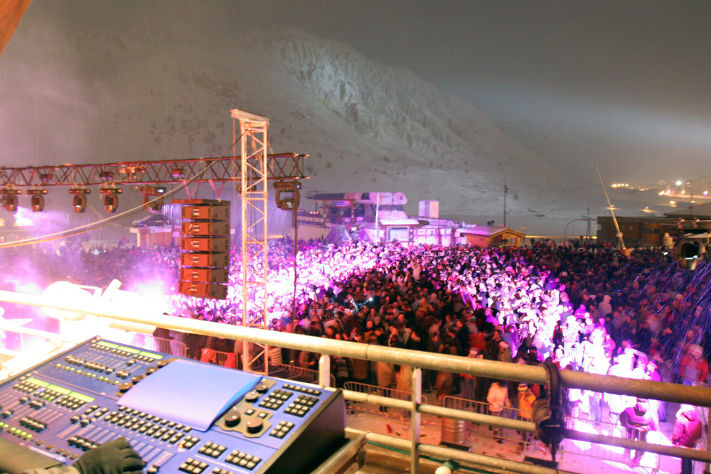 NYE outdoor party in Tignes - © Vincentkwk