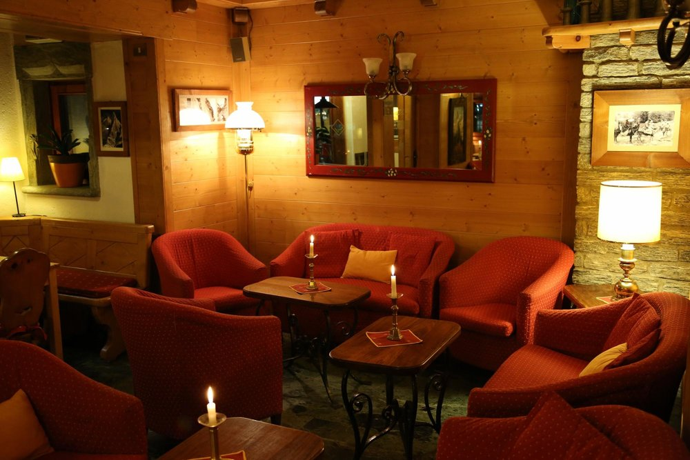 Hotel perruquet cervinia breuil for Hotel meuble furggen cervinia