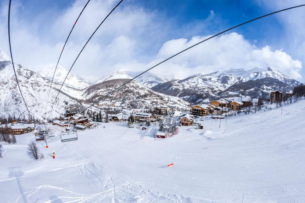 Le front de neige de Val d'Allos le Seignus - © Office de tourisme du Val d'Allos / R. Palomba