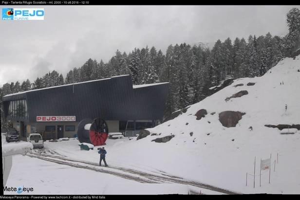 Neve fresca a Pejo, 10 Ottobre 2016 - © Pejo webcam