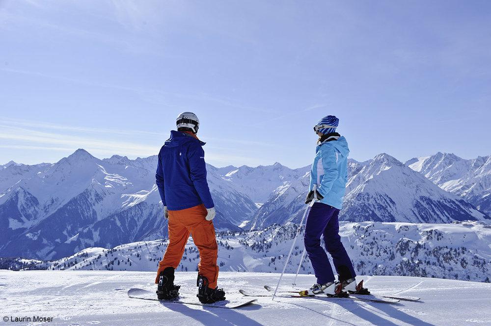 Volle Konzentration vor dem Einstieg in die Harakiri-Piste in Mayrhofen - © Bergbahnen Mayrhofen | Laurin Moser