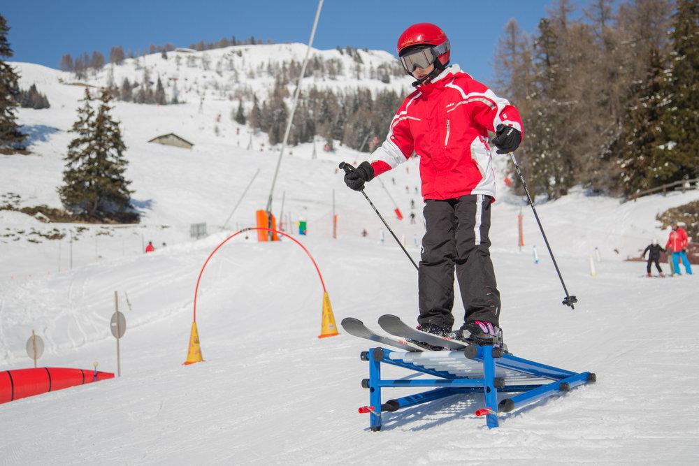 Apprentissage du ski sur l'espace débutants de Crans Montana - © Crans-Montana Tourisme & Congrès / Luciano Miglion