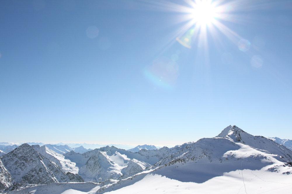 15. november 2016: Nádherný výhľad z Schaufeljoch - © Skiinfo