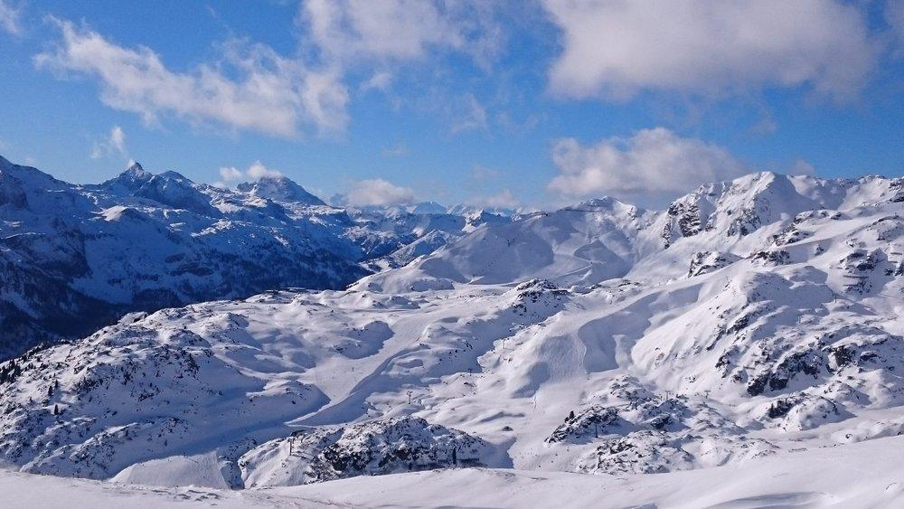 Blick aufs verschneite Obertauern - © Tourismusverband Obertauern