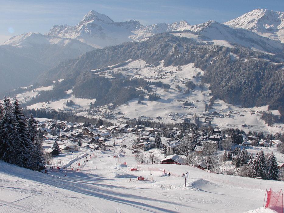 Vue sur la station de ski de Notre Dame de Bellecombe - © Office de Tourisme du Val d'Arly