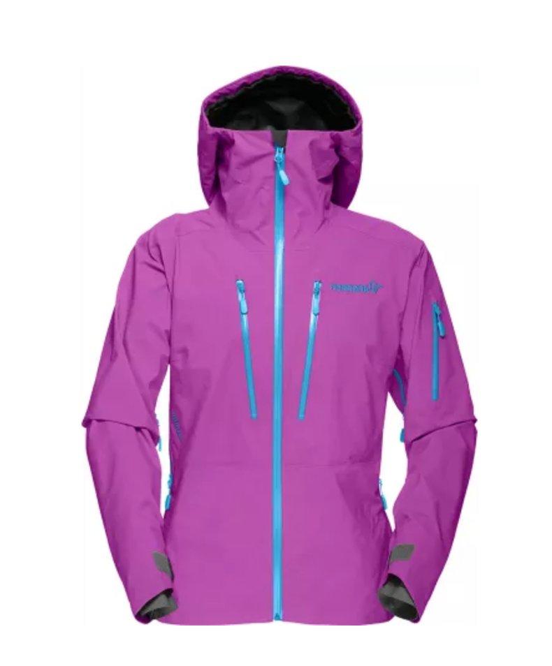 Trenger hun ny jakke? Denne populære skalljakken kommer i mange fine farger.  - © https://www.norrona.com/nb-NO/