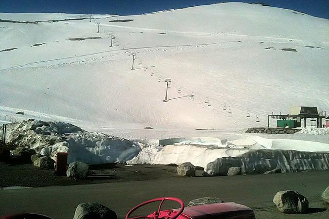 Stryn Sommerski - 16 juni 2011 Skianlegget 677px