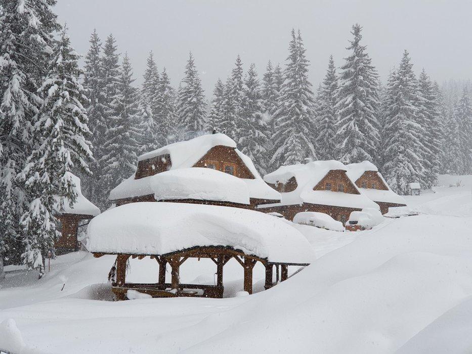 Veľa čerstvého snehu v oravskom stredisku Ski Zábava – Hruštín - © facebook Ski Zábava – Hruštín