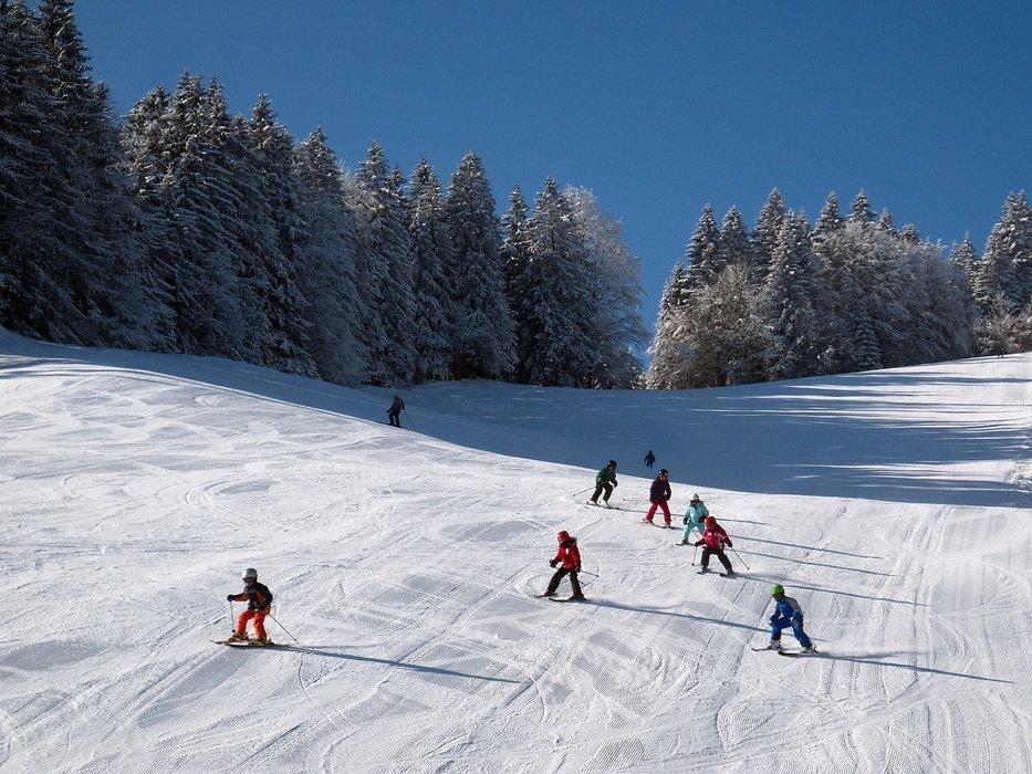 Skifahren am Kolben - © Ammergauer Alpen GmbH, Gemeinde  Oberammergau. Foto: Matthias Fend