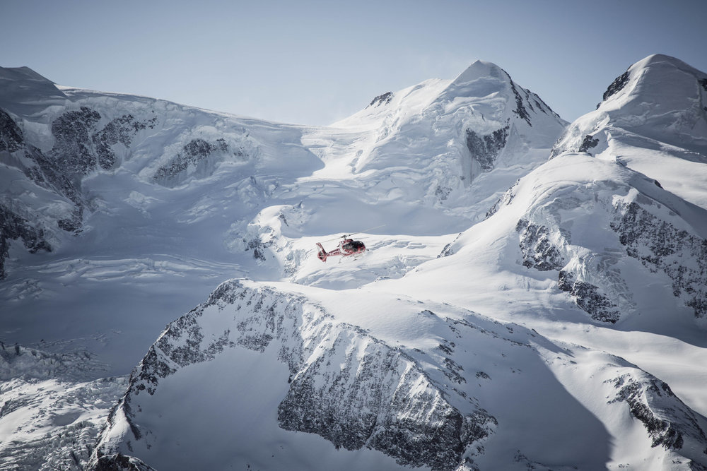 Vrtuľník na Gornergrate v Zermattu - © Skiinfo | Sebastian Lindemeyer