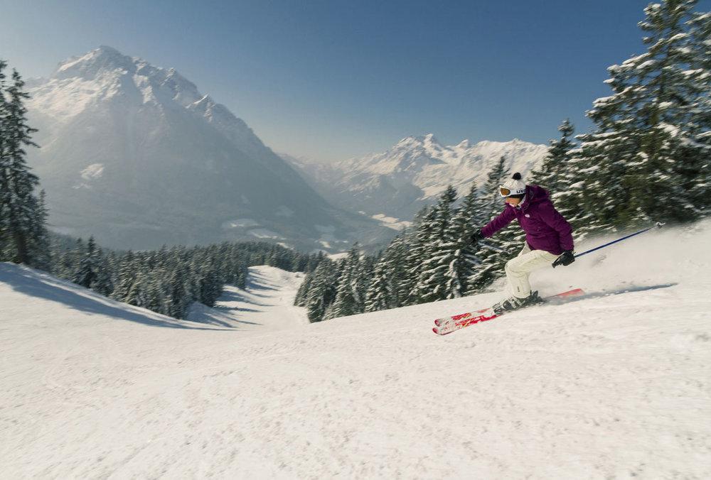 Skifahren im Skigebiet Hochschwarzeck - © Hochschwarzeck