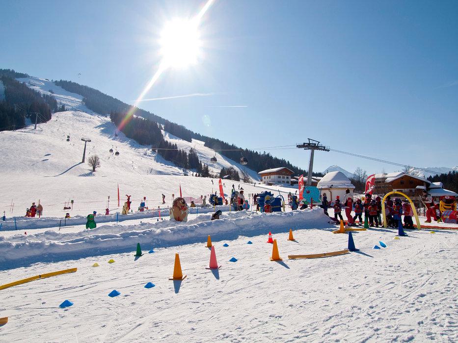 Skischule Kinderland in Kössen - © Bergbahnen Kössen
