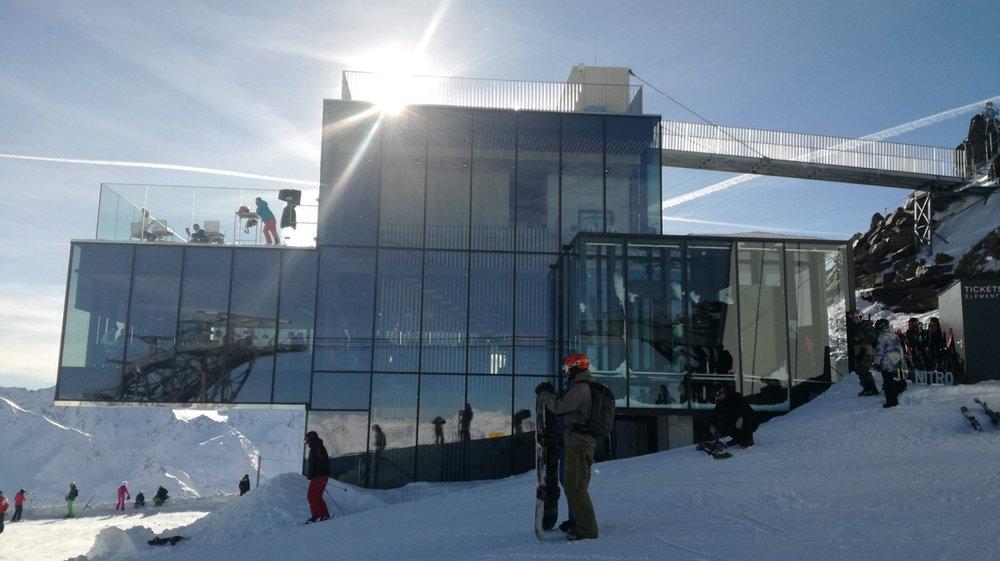 Restauracja Ice Q na szczycie Gaislachkogla (3.048 m n.p.m.) - © Skiinfo