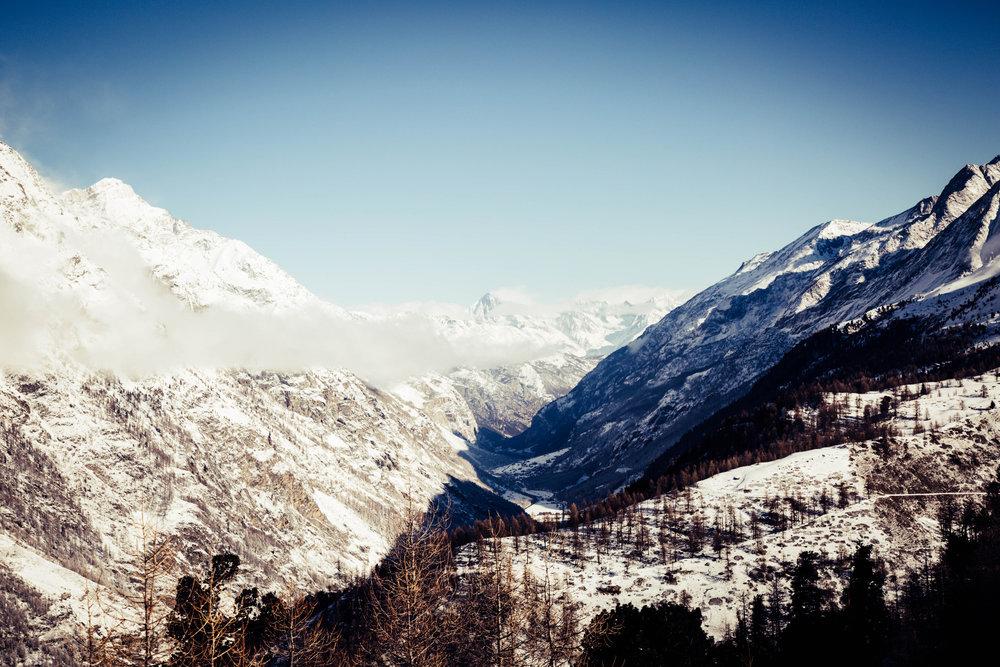 Blick in das Mattertal Richtung Täsch und Randa - © Skiinfo | Sebastian Lindemeyer