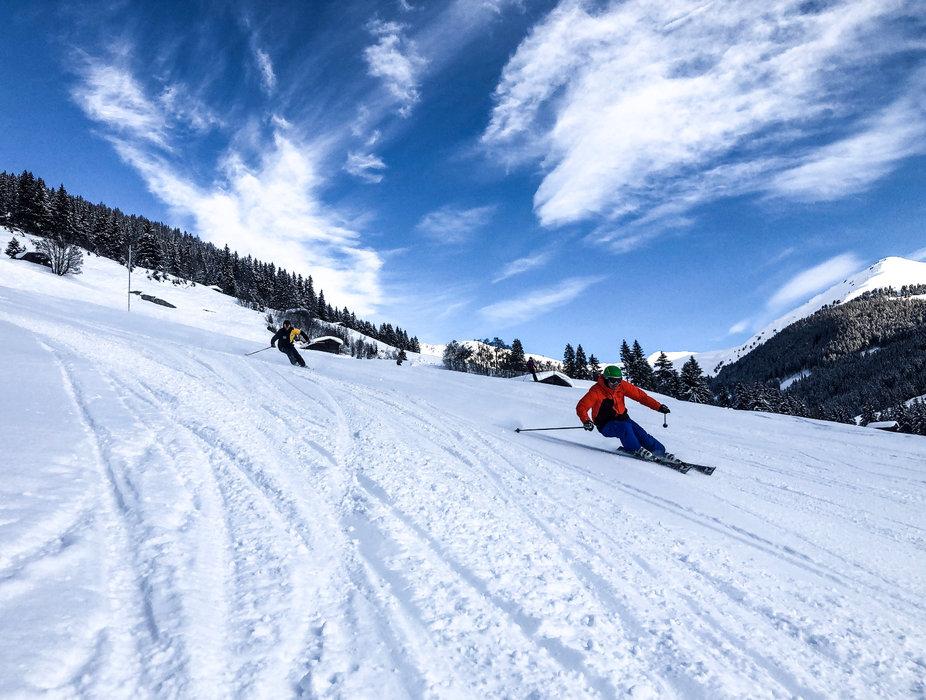 Skifahrer in der Zillertal Arena - © Zillertal Arena