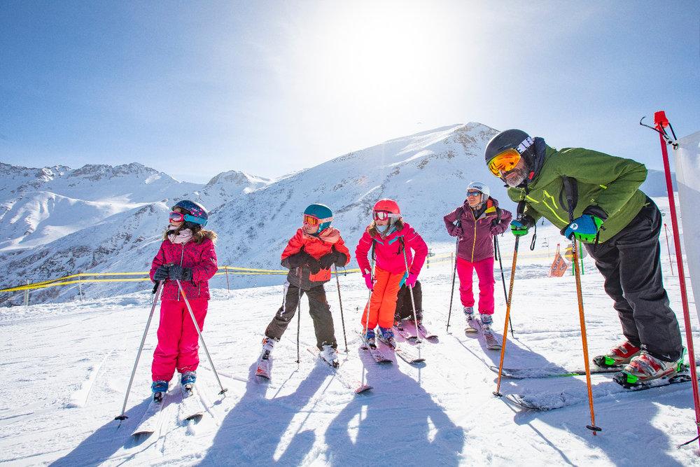 Plaisir du ski en famille sur les pistes de Valmorel - © Office de Tourisme de Valmorel