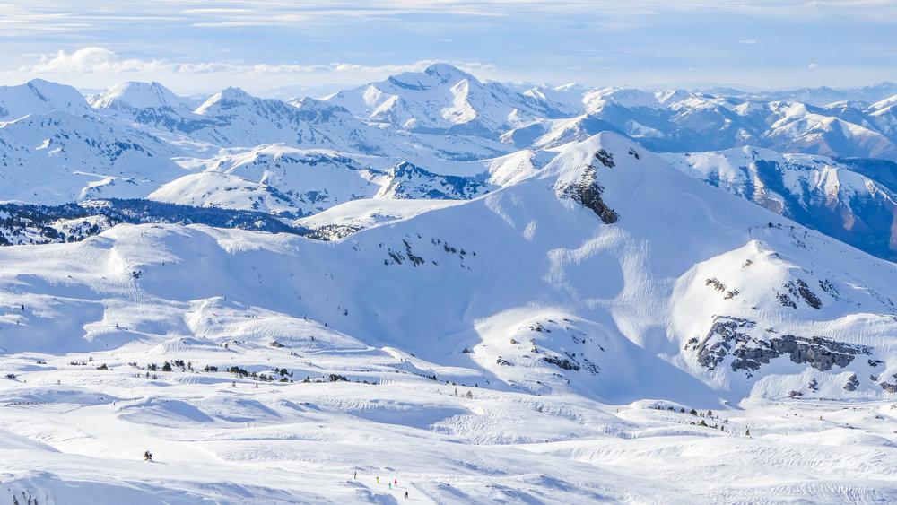 Imprenable vue depuis le Boulevard des Pyrénées sur le domaine de la Pierre Saint Martin (piste bleue) - © EPSA / Domaine de la Pierre Saint Martin