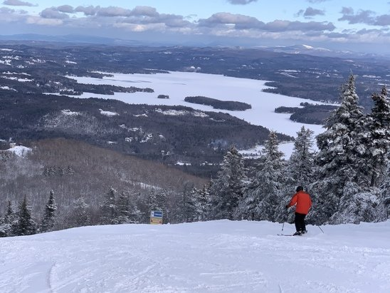 Mount Sunapee - Beautiful day on the mountain with all faces having skiable trails. Surface was groomed small corn and a pleasure for the ski edges. While on the sides of the trails, freshies abound.  - © Louigi