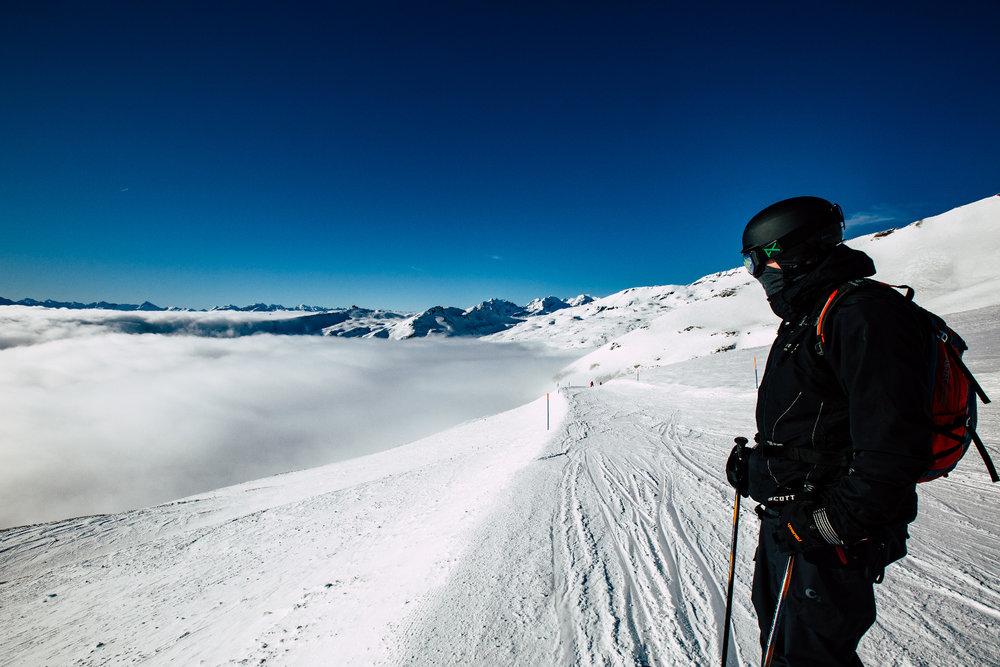 Glück hat, der so weit hinauf fahren kann, dass er die dicken Wolken unter sich lässt. - © Skiinfo | Sebastian Lindemeyer