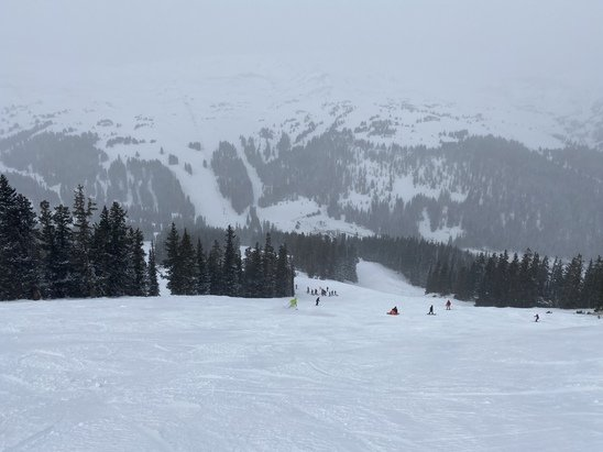 Loveland - Great skiing and fresh powder this past weekend.  - © CBP