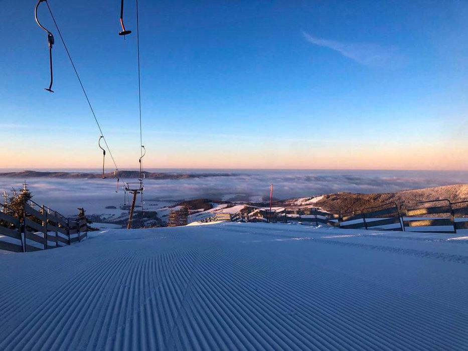 Východ slnka na Dolnej Morave - © facebook | Dolní Morava Horský resort