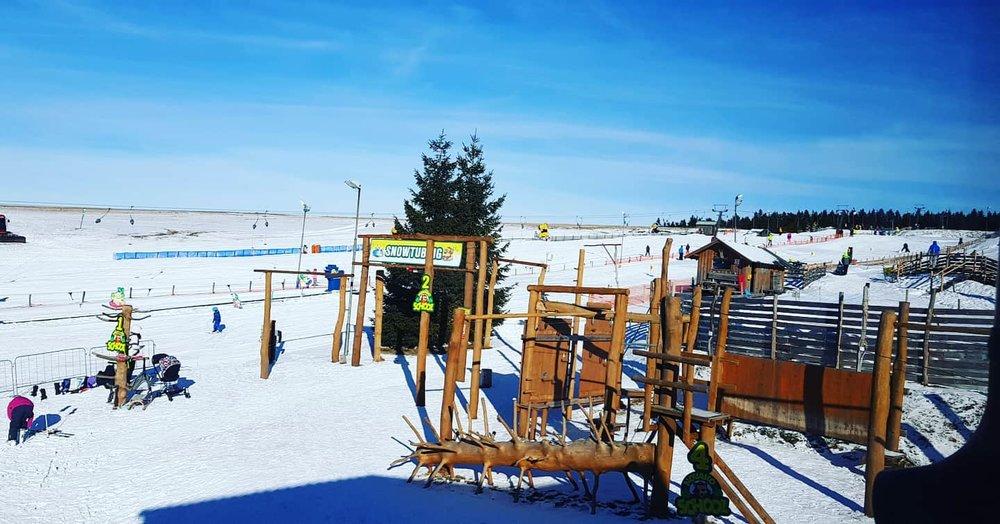 Skiareál Novako na Božím Daru nabízí parádní podmínky pro děti i dospělé! 22.1.2020 - © facebook | Skiareál Novako