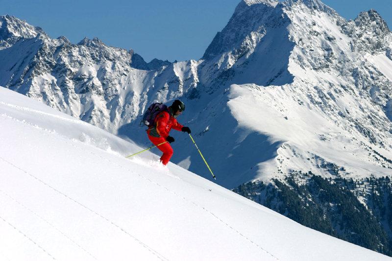 Skifahrer im Firn - © Serfaus-Fiss-Ladis / Tirol