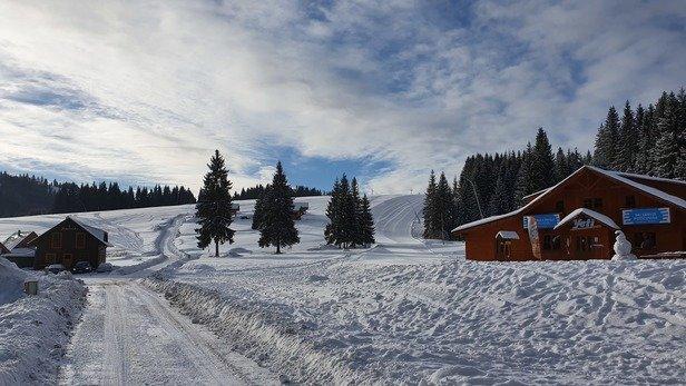 Orava Snow - Super ośrodek narciarski Trasy doskonałe przygotowane Jazda przez 6 godzin przy 4-ech  stopniach na pulsie bez kop przelodzeń i kolejek do wyciągów  Wspaniała  atmosfera  Polecam  - © 22.02.2020