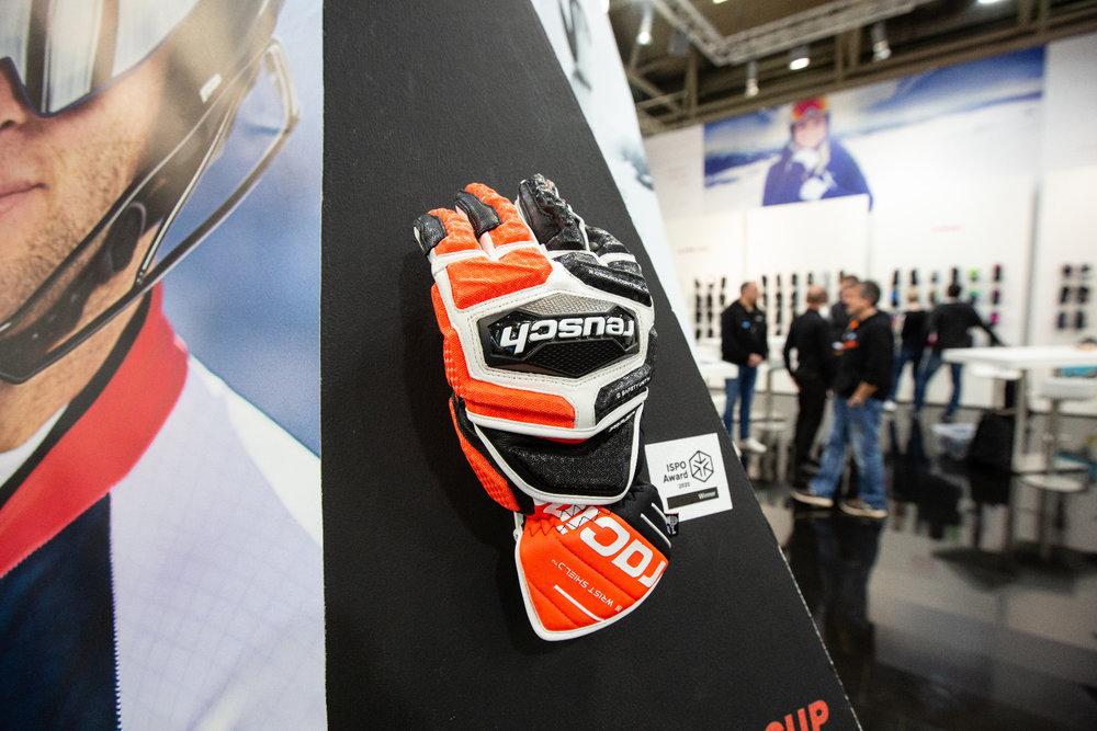 Voll geschützt: Weltcup-Handschuh von Reusch - © Skiinfo