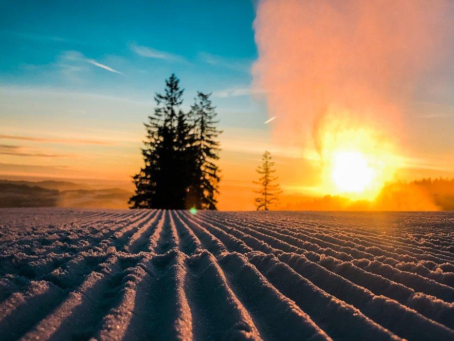 Sunrise at Lipno - © facebook | Skiareál Lipno