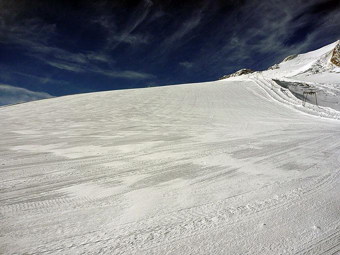 Le glacier de Tignes à quelques heures du lancement de la saison de ski - © Tignes Dev.