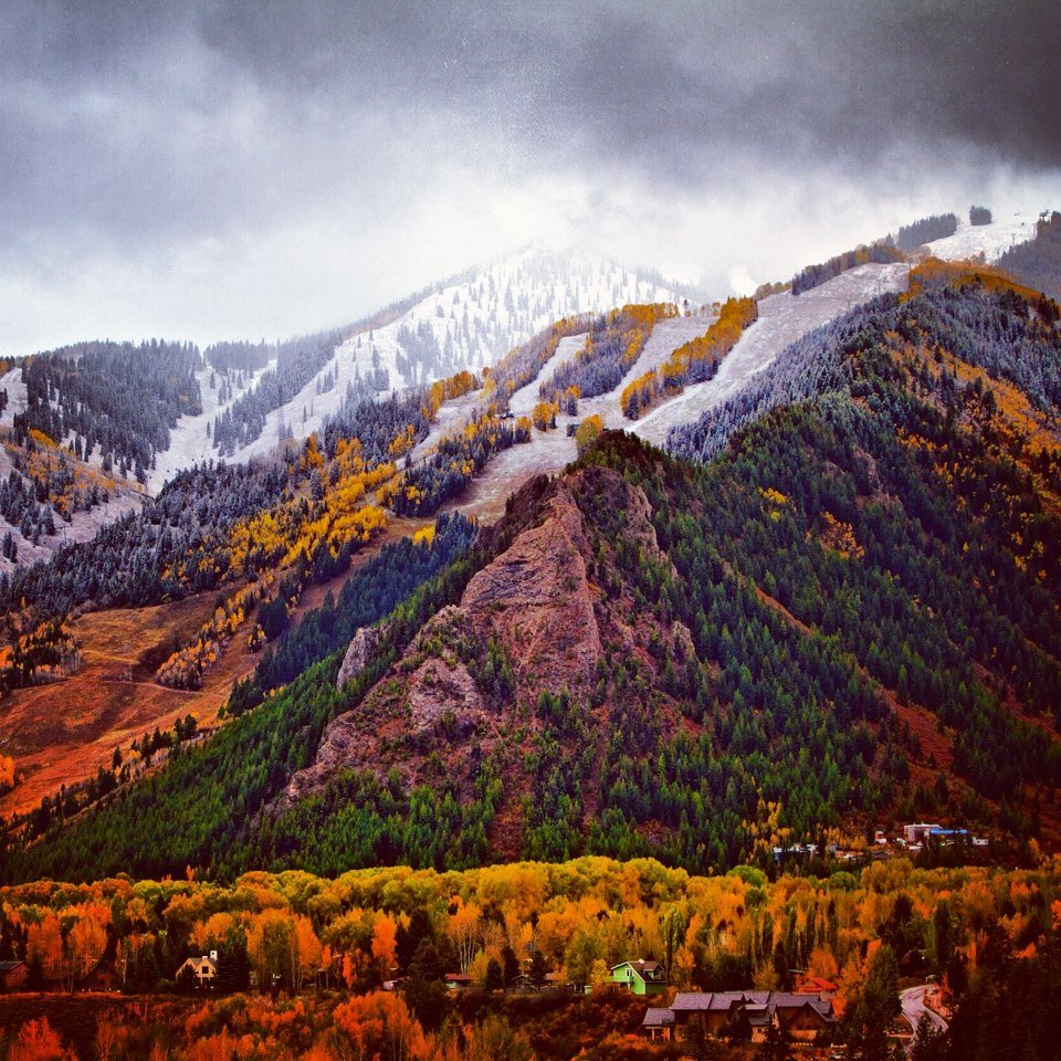 Snow above the foliage in Aspen. - © Dave Amirault/Aspen/Facebook